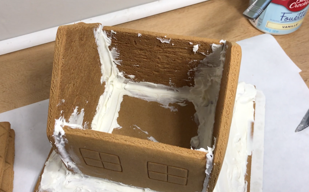 Gingerbread House Pipe Stoner DIY