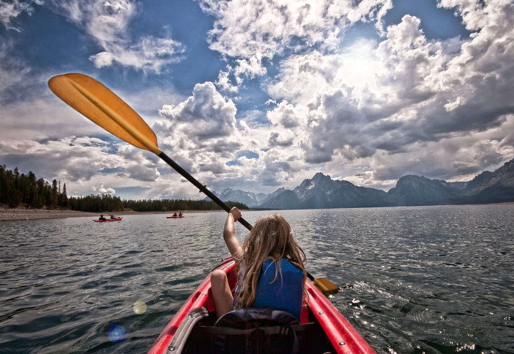 Kayak Yellowstone's snake river, USA | photo OARS