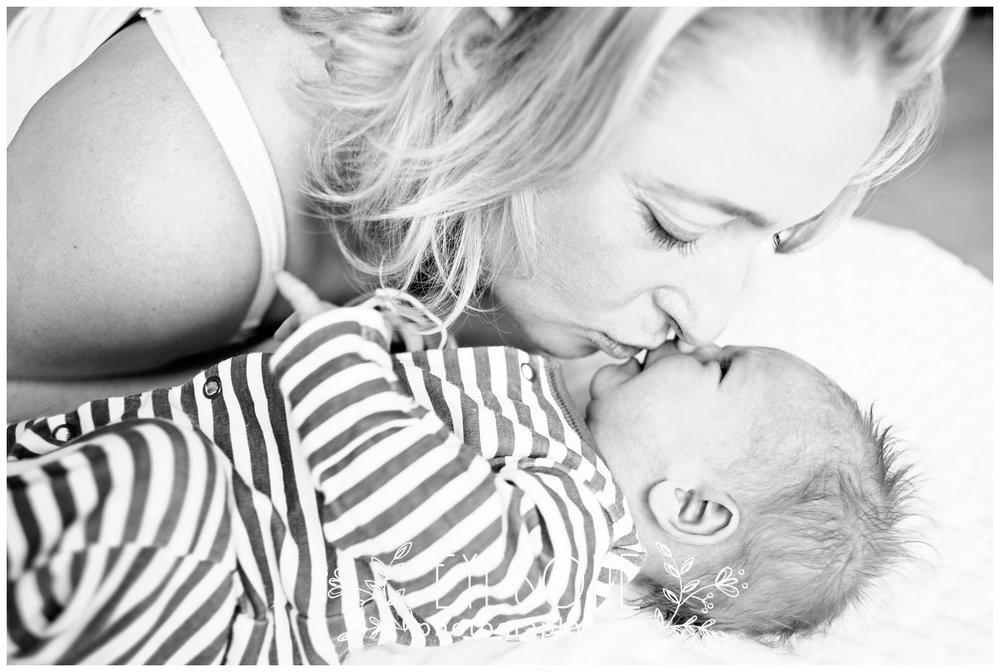 _DSC7205a_harrogate newborn photography.jpg