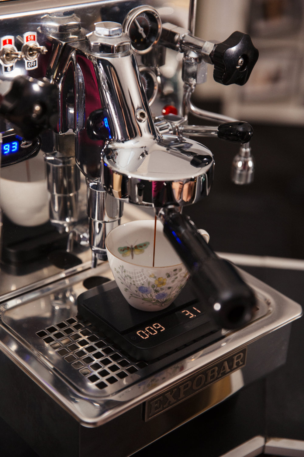 Our espresso machine is manually operated meaning we have absolute control over the espressos we brew.  We use scales & timers to weigh the coffee yield to ensure it's perfect, every single brew.