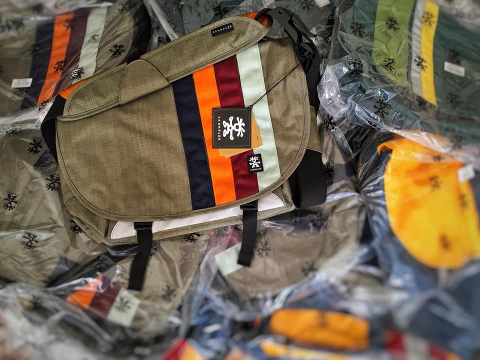 20 neue CRUMPLER Bags wurden heute in die LIK Akademie für Foto und Design geliefert.