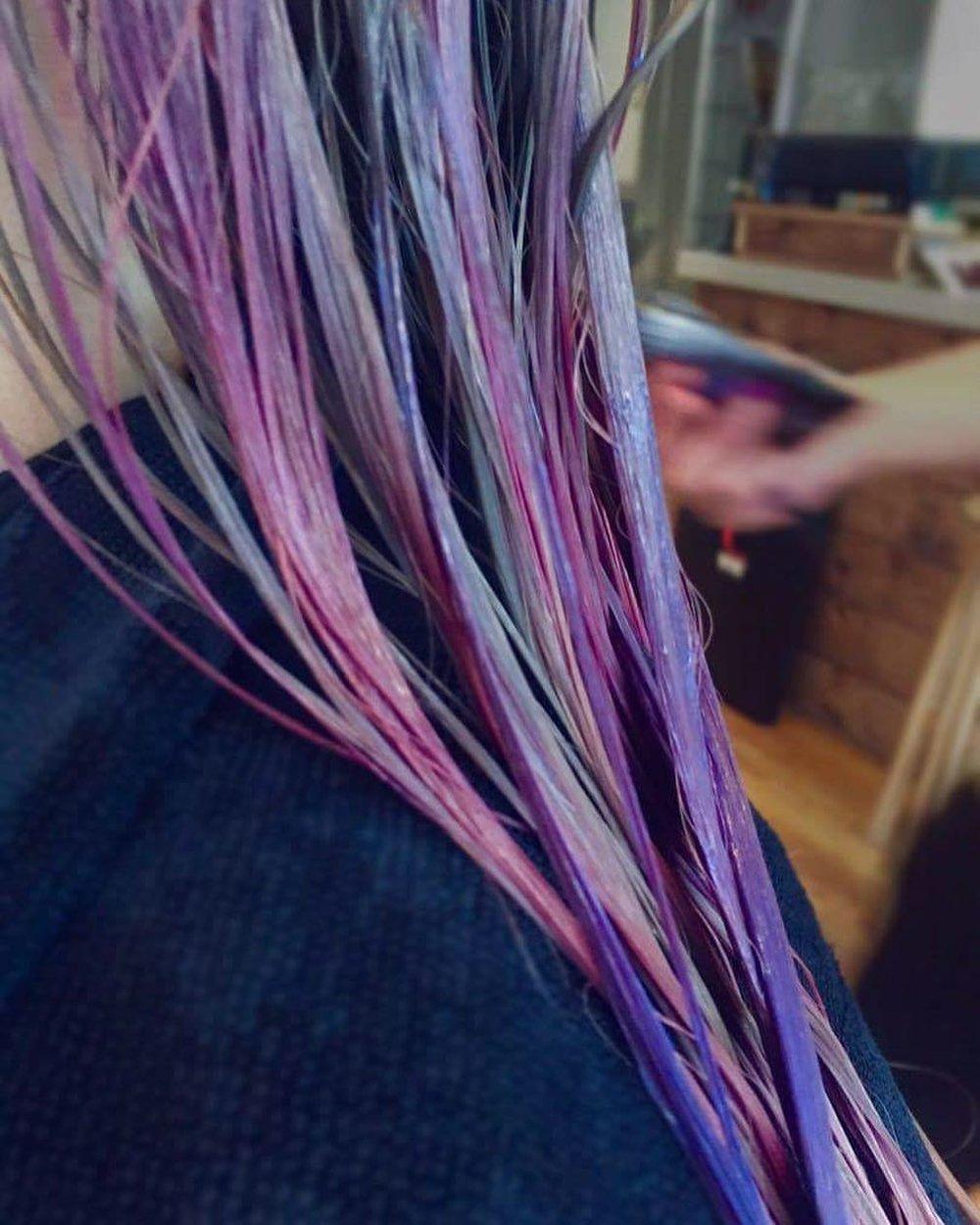 Hiring - Hair stylist / Colourist