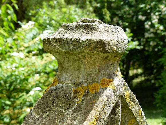 livet-headstone-top.JPG