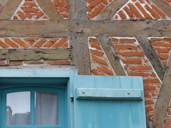 gerberoy-blue-brick.jpg