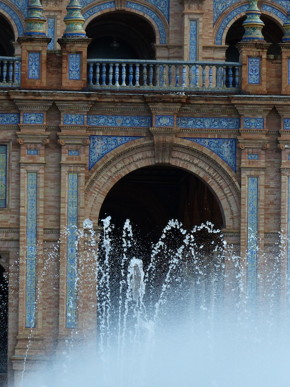 plaza-espana-fountain.jpg