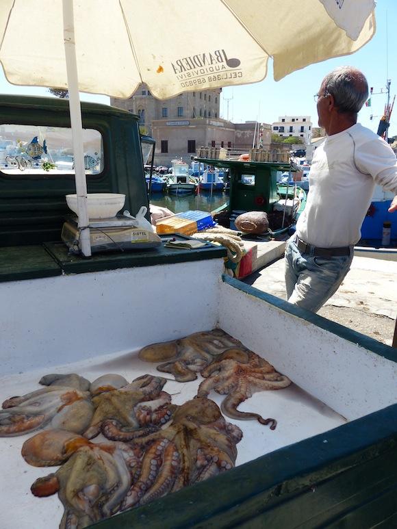 favignana-fishmarket1.jpg