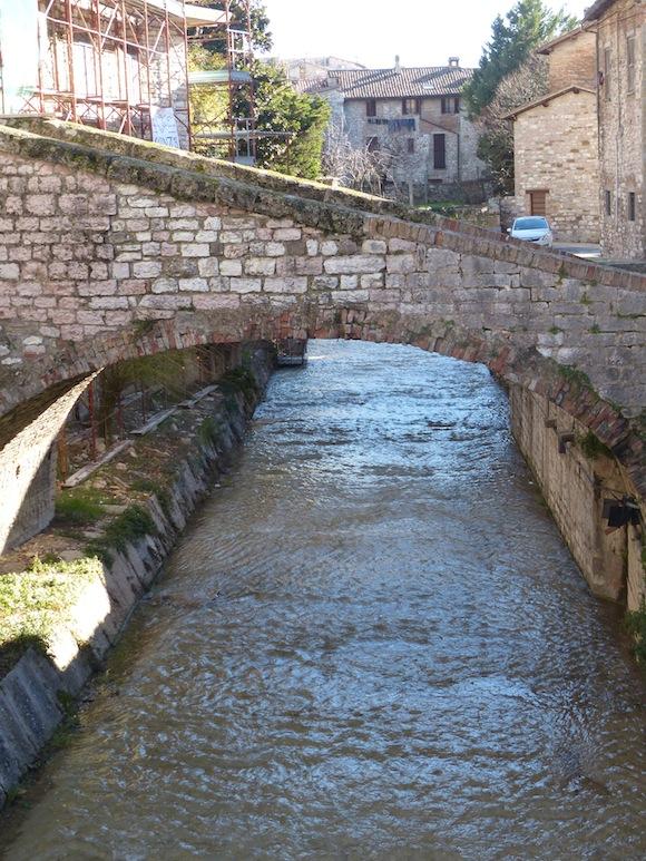 gubbio-river.jpg