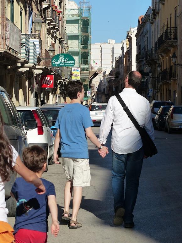 trapani-hands-street.jpg