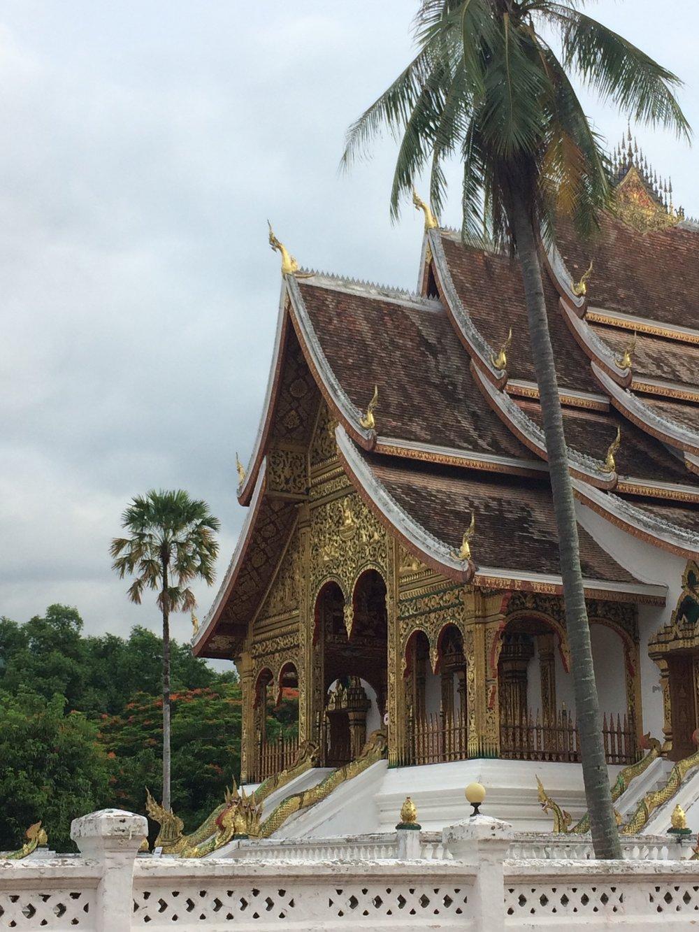 laos luang prabang temple