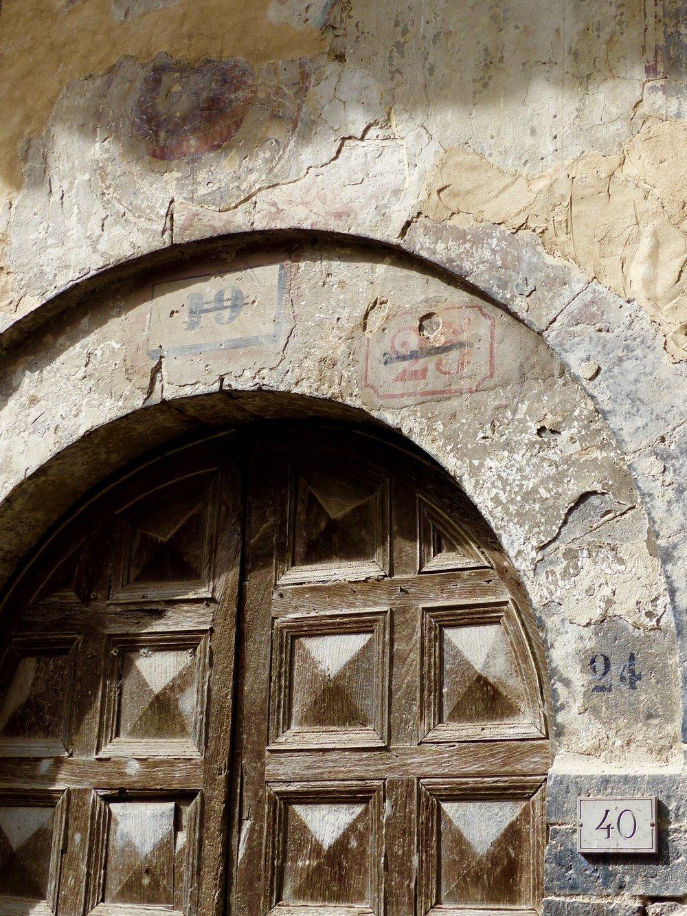 spello_doorconfusion.jpg