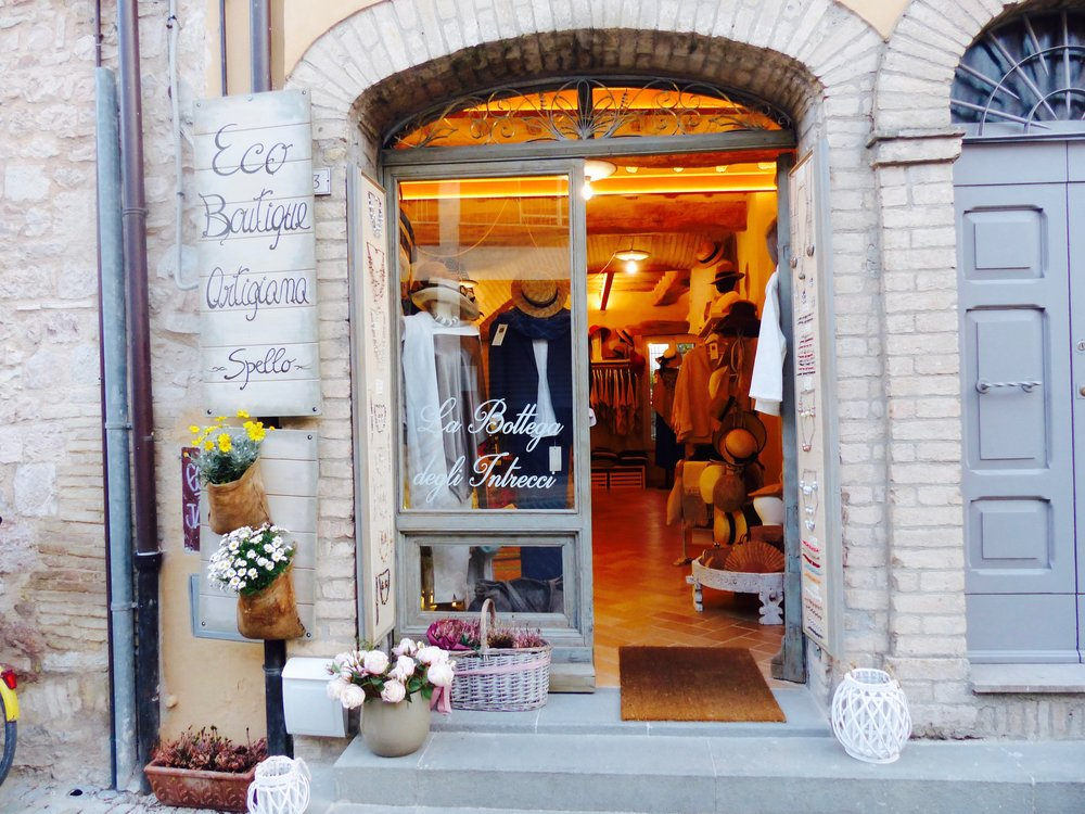 shop in Spello Umbria