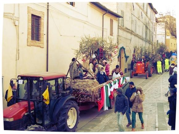 Parade at L'Oro di Spello, Umbria