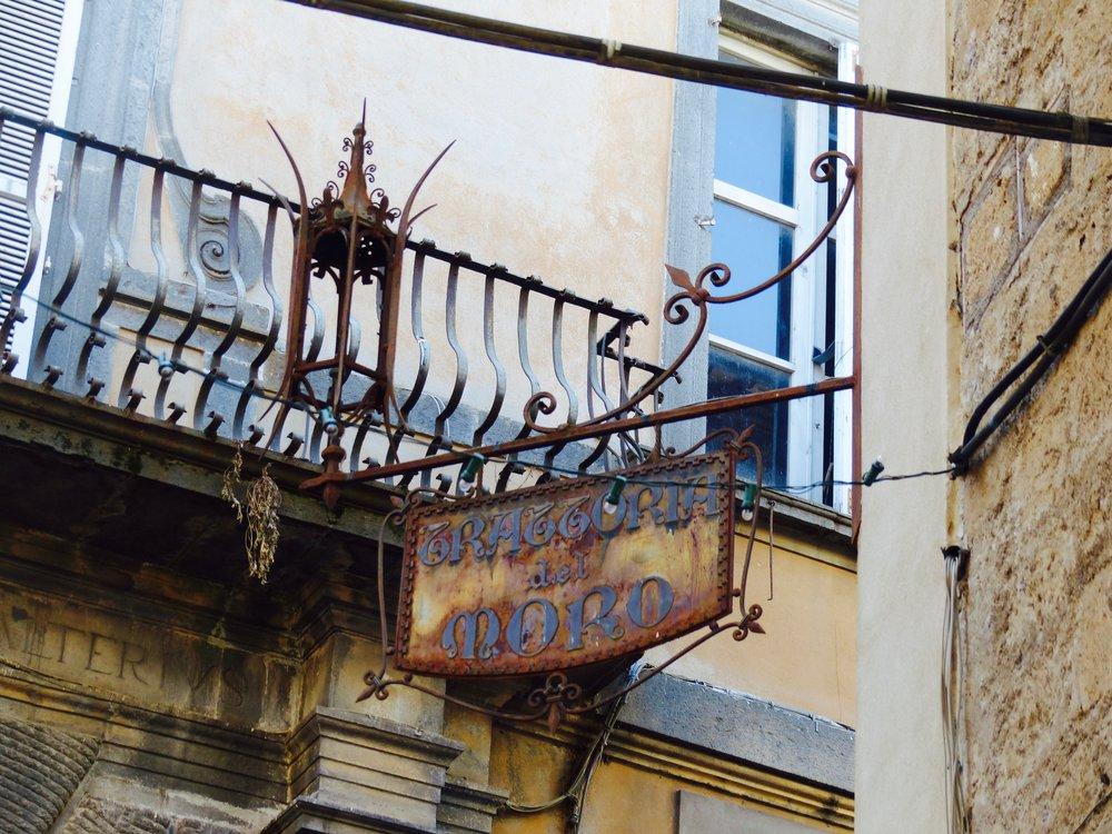 Sign for Trattoria del moro in Orvieto, Umbria