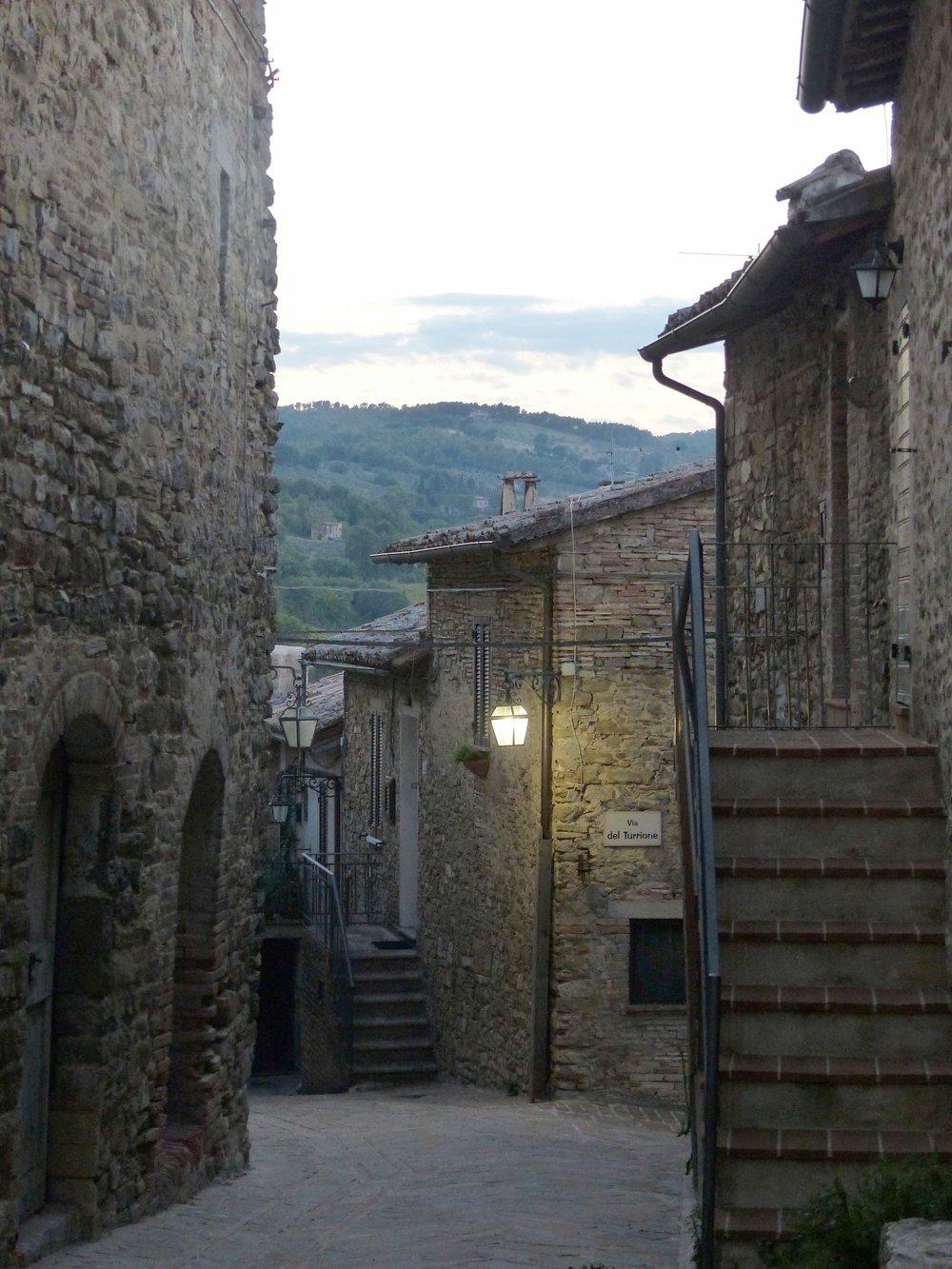 Night falls at Serpillo in Umbria