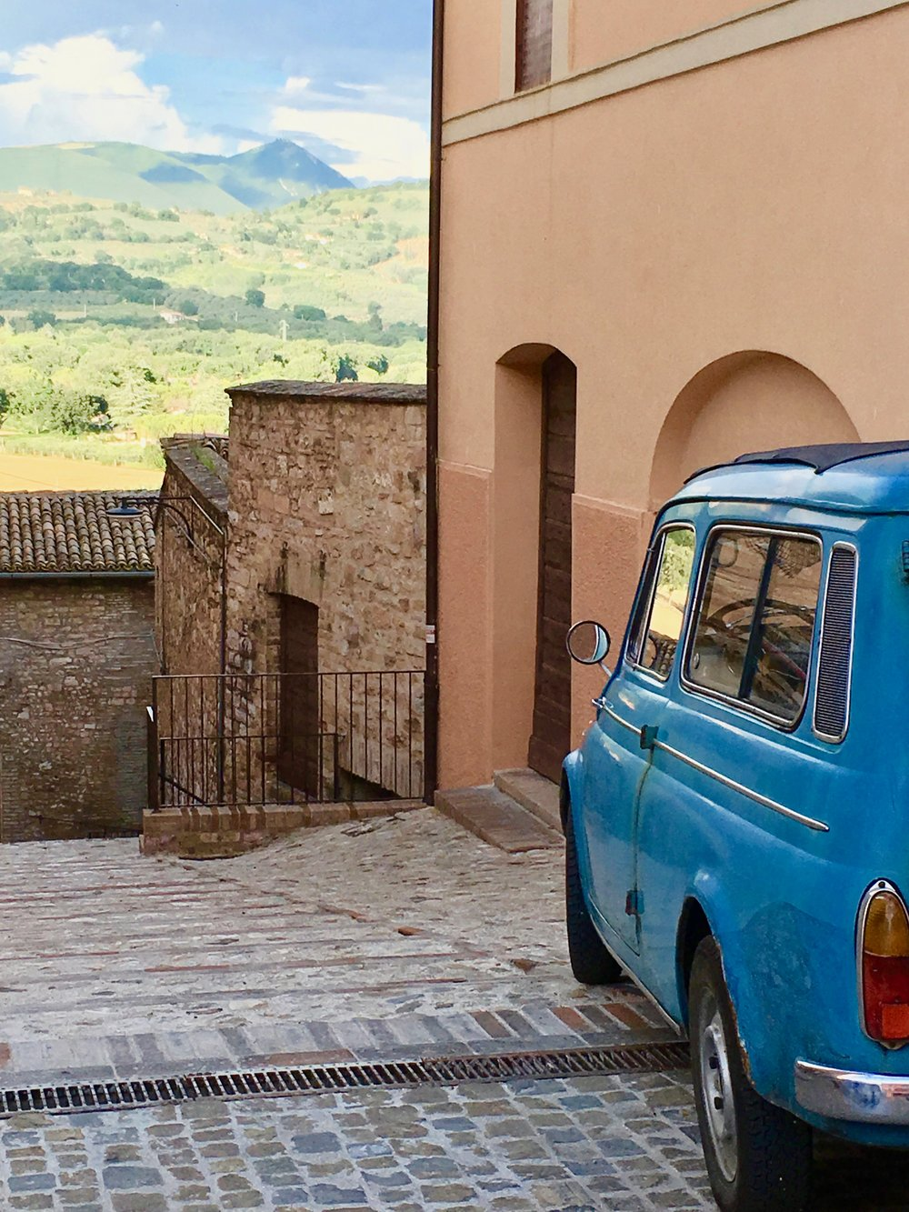 Car with a view in Spello, Umbria