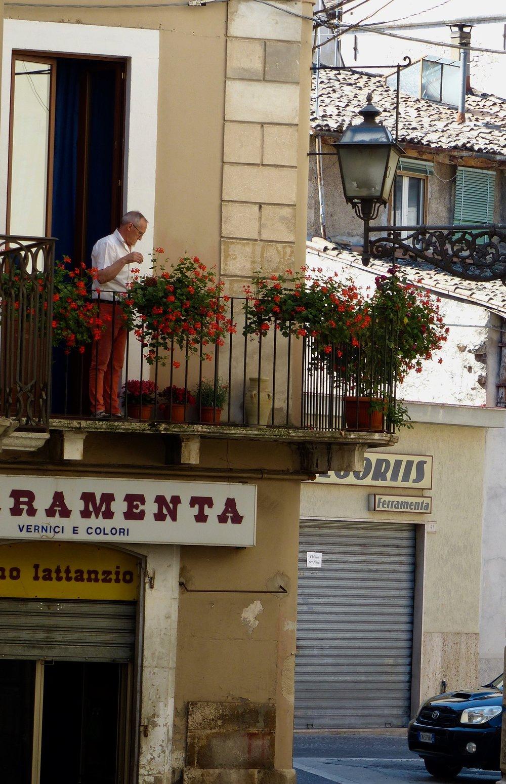 sulmona-man-balcony.jpg