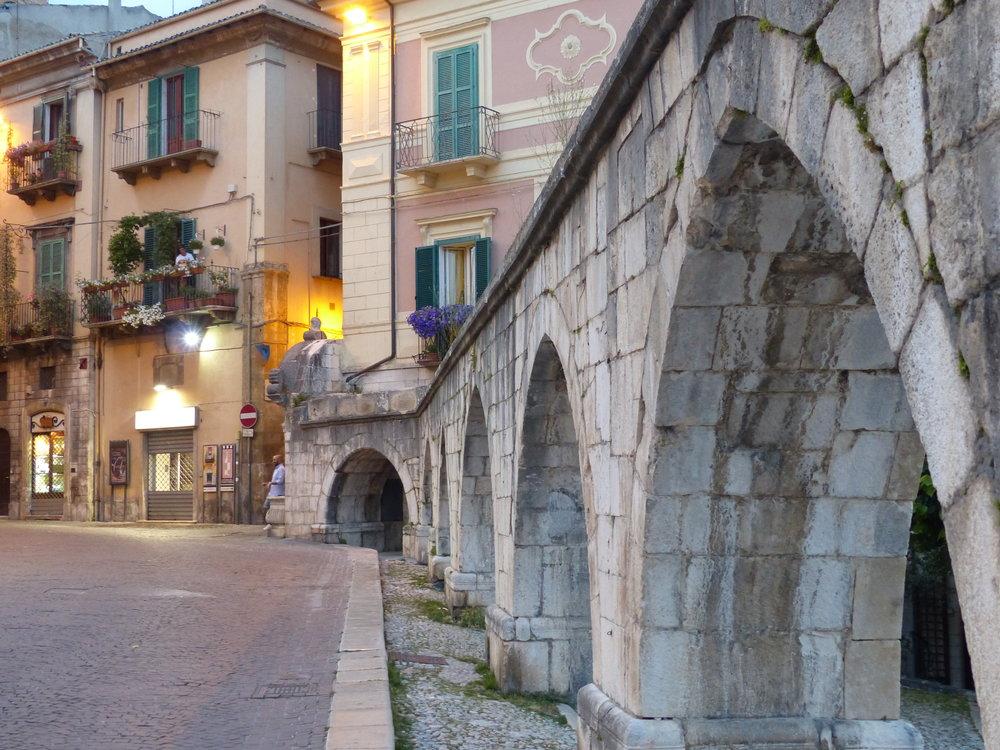 sulmona-piazza-aqueduct-twilight.JPG