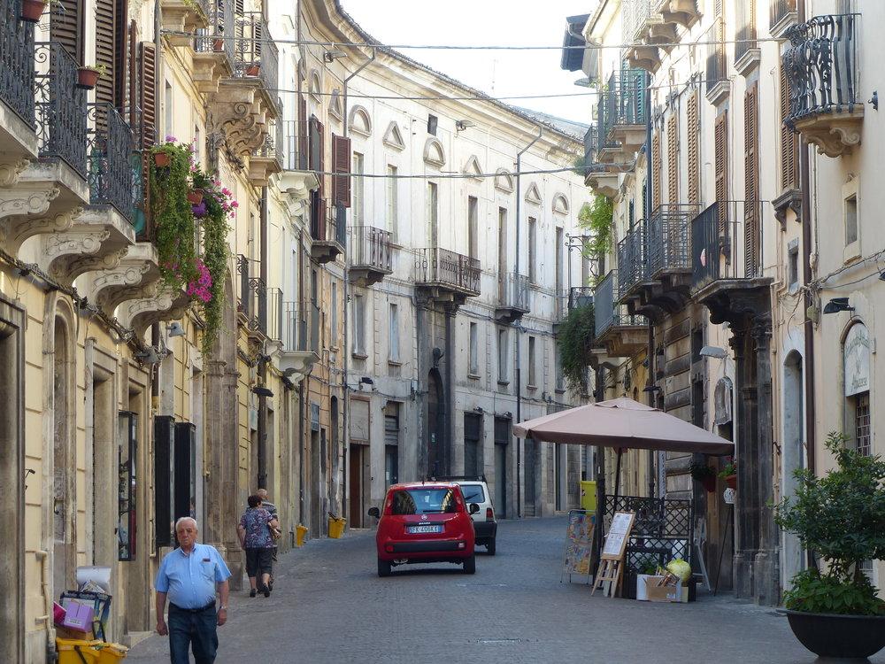 sulmona-street45-nice-people.JPG