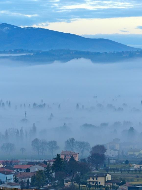 Spello through the fog