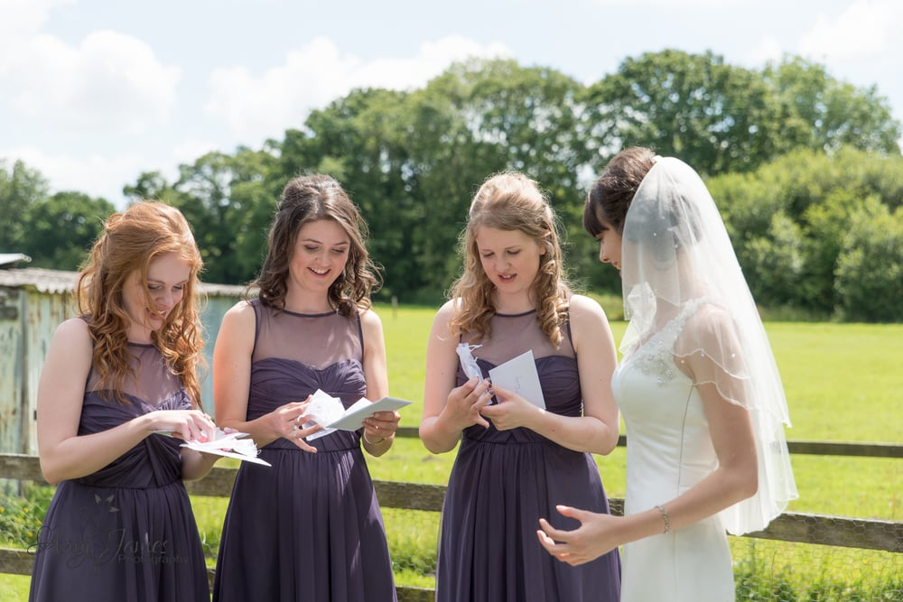 Hampshire wedding photographer / Hampshire barn wedding