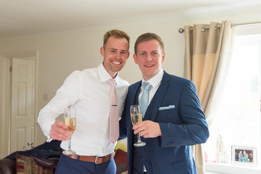 Hampshire wedding photographer / Fleet wedding photographer // Warbrook House wedding photographer / Aldershot Garrison wedding