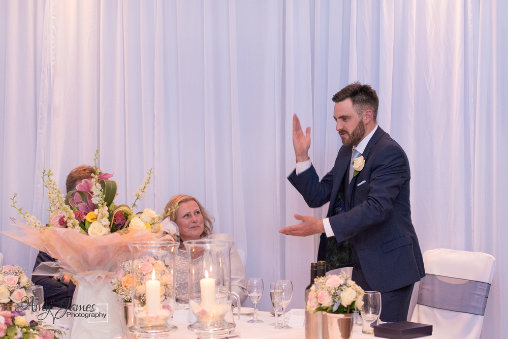 Fleet Hampshire wedding photographer // Warbrook House wedding photographer