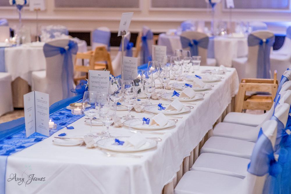 Four seasons hotel Hamshire wedding breakfast - Amy James photography - documentary wedding photography for Hampshire and Surrey
