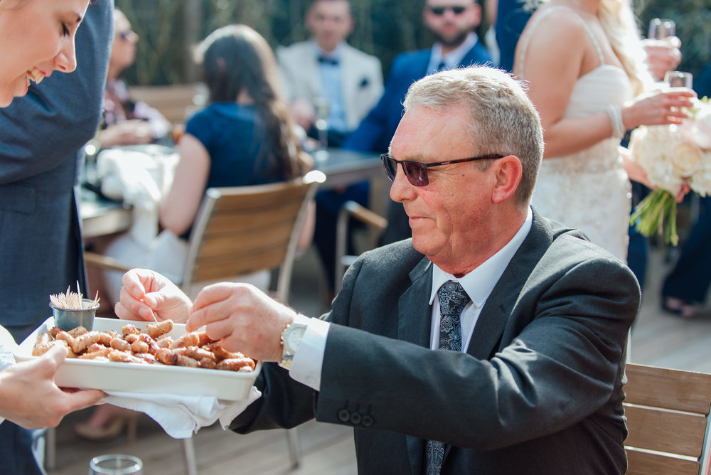 drinks reception at the George in rye wedding venue - Amy James photography - Hampshire wedding photographer - Surrey wedding photographer - Berkshire wedding photographer