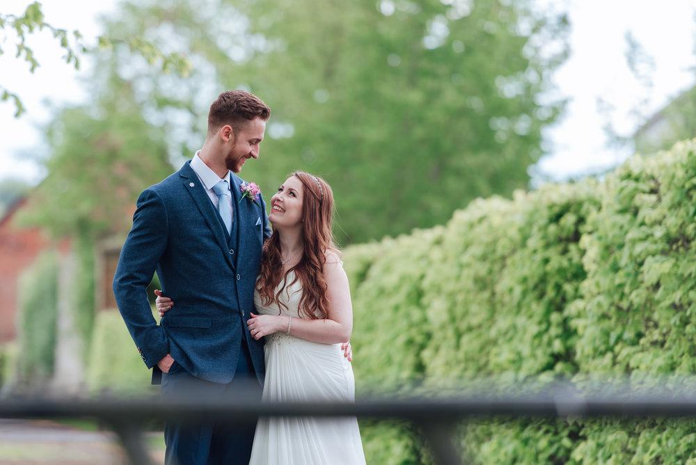 Bury-Court-Barn-Wedding-Venue-Amy-James-Photography-Wedding-Photographer-Hampshire-Documentary-Wedding-Photographer-112.jpg