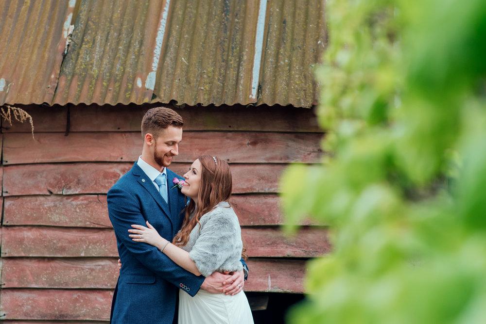 Bury-Court-Barn-Wedding-Venue-Amy-James-Photography-Wedding-Photographer-Hampshire-Documentary-Wedding-Photographer-150.jpg