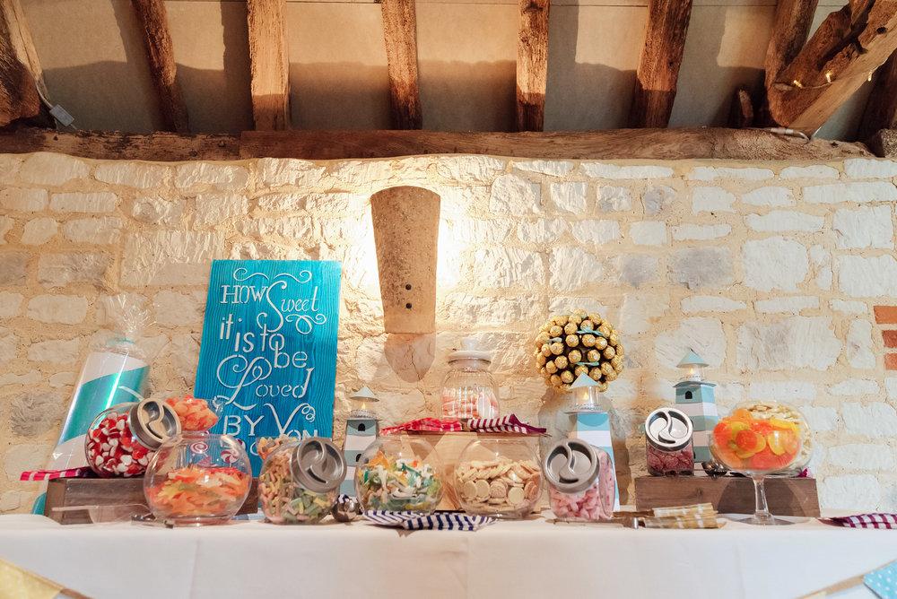 Bury-Court-Barn-Wedding-Venue-Amy-James-Photography-Wedding-Photographer-Hampshire-Documentary-Wedding-Photographer-107.jpg