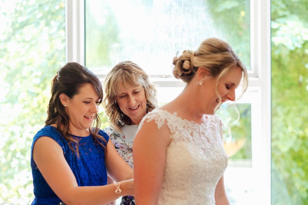Hampshire-wedding-photographer : Amy-james-photography : Surrey-wedding-photographer : Fleet-wedding-photographer : Winchester-wedding : winchester-cathedral-wedding : documentary-wedding-photographer-hampshire-surrey-berkshire-148.jpg