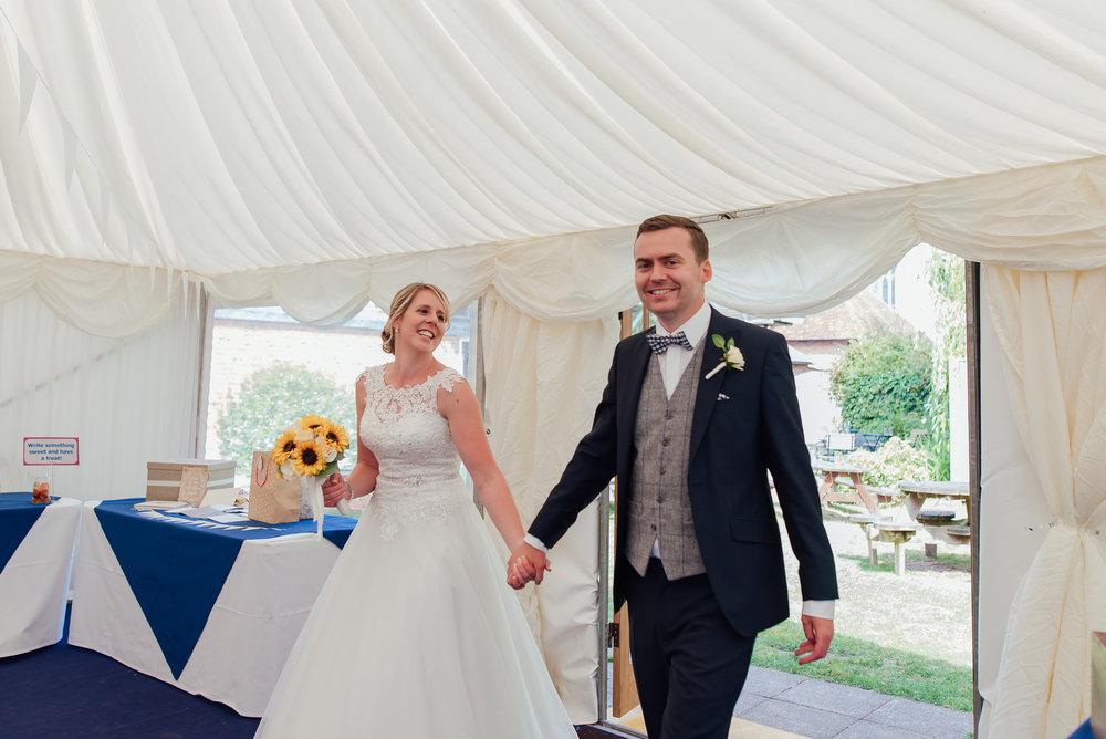 Hampshire-wedding-photographer / Amy-James-Photography / Wedding-photographer-hampshire / Winchester-cathedral-refectory-wedding