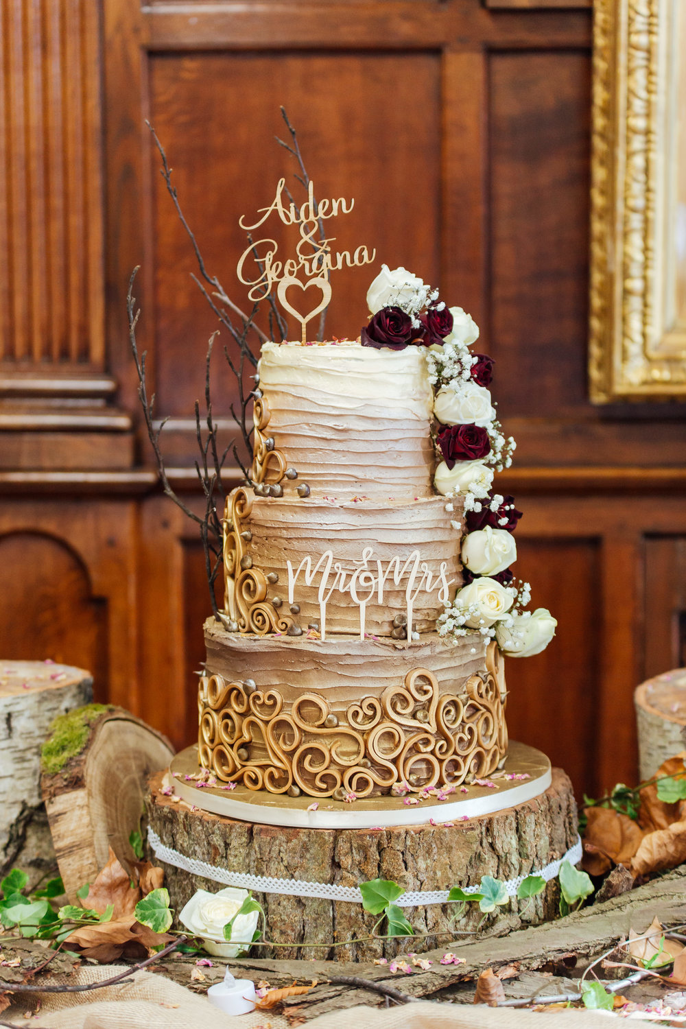 amazing-unique-rustic-wedding-cake / Amy-james-photography / hampshire-wedding-photographer-hampshire
