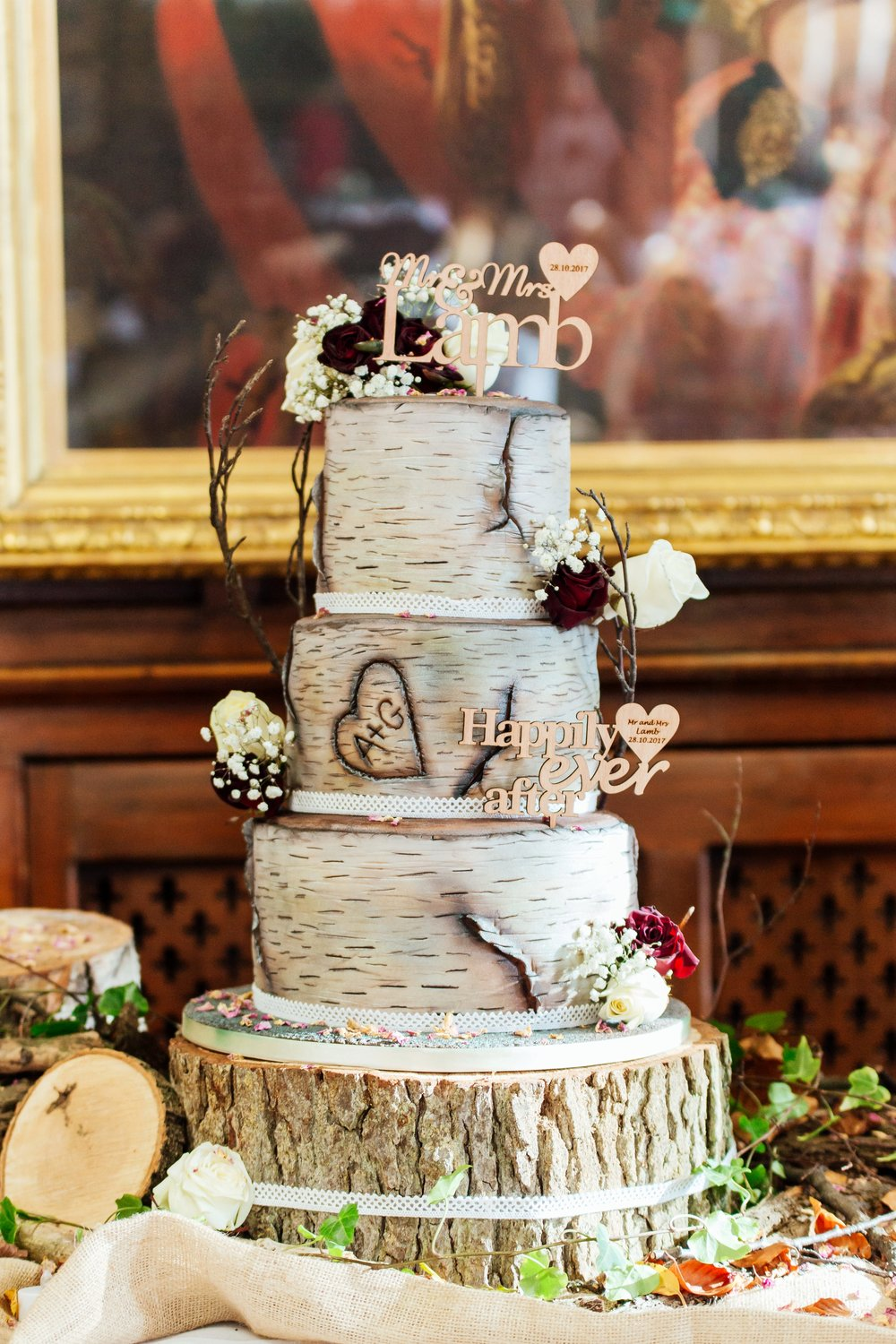 amazing-unique-rustic-wedding-cake / Amy-james-photography /hampshire-wedding-photographer-hampshire