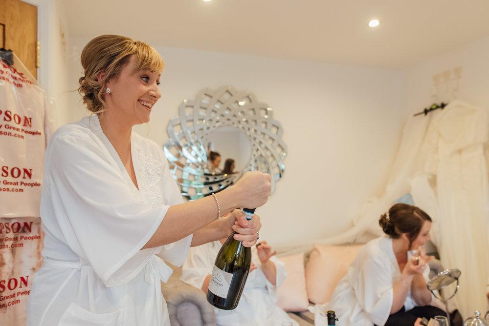 Sarah-Fishlock-Photography-Hampshire-wedding-photographer-hampshire / fleet-wedding-photographer-fleet / rivervale-barn-wedding-photographer / hampshire-barn-wedding-venue / hampshire-wedding-venue /
