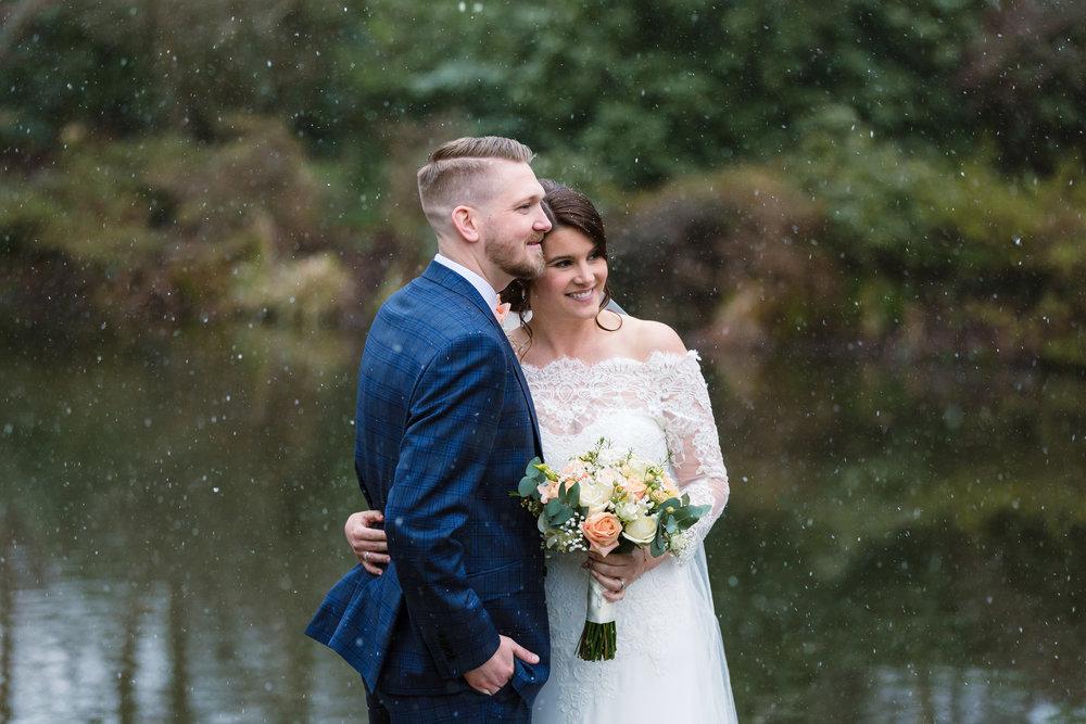 Sarah-Fishlock-Photography-Hampshire-wedding-photographer-hampshire / fleet-wedding-photographer-fleet / rivervale-barn-wedding/ hampshire-barn-wedding-venue / hampshire-wedding-venue wedding-in-snow