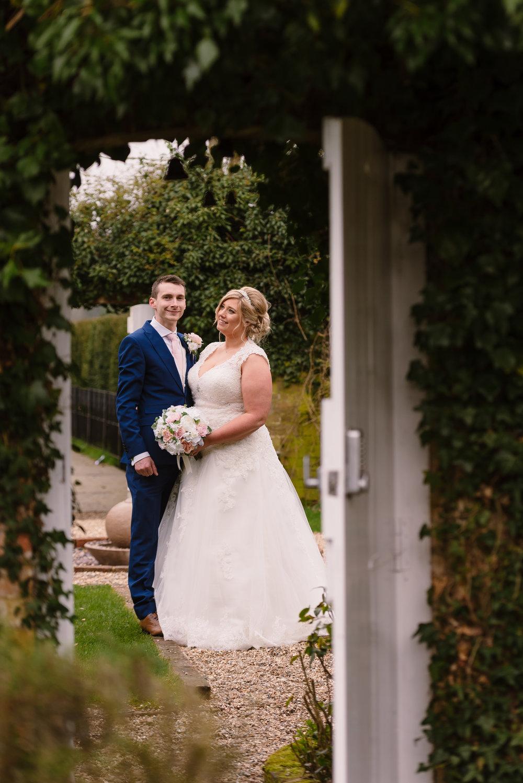 Sarah-Fishlock-Photography : Hampshire-wedding-photographer-hampshire : fleet-wedding-photographer-fleet : Northbrook-Park-Wedding-Photographer : Northbrook-Park-Wedding-Venue : natural-wedding-photographer-hampshire-717.jpg