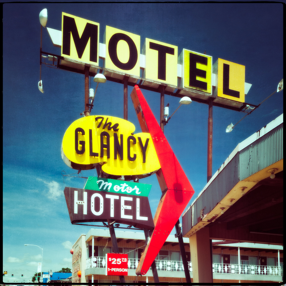 The Glancy Motor Hotel