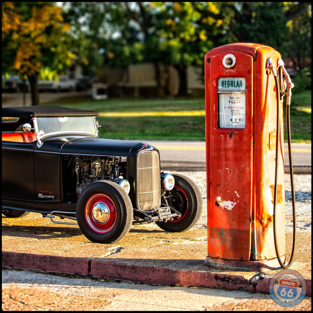 Mike's 1932 Ford Roadster in front of The pumps at The Wagon Wheel Motel, Cuba Missouri - David J. Schwartz