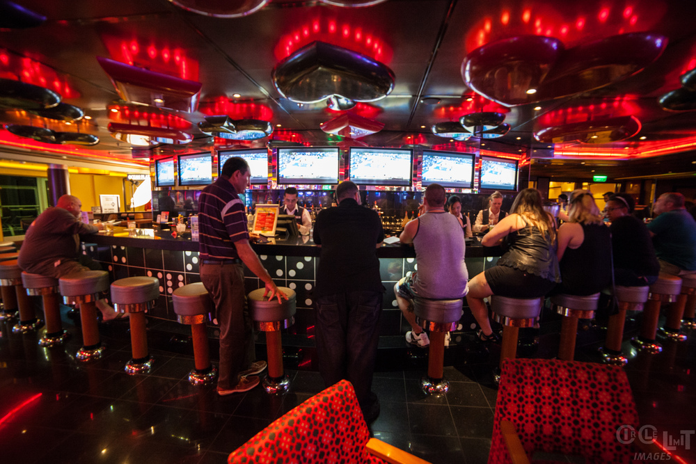 The casino bar on Carnival Breeze