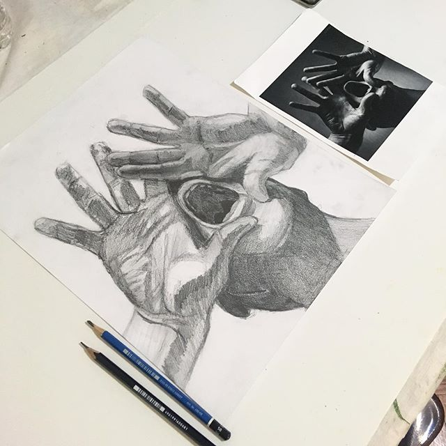 Pencil drawing by one of our young students that trained and prepared her portfolio with us and already got selected in LaGuardia High-school 🙌🏻✨🙌🏻✨🙌🏻 #we❤️drawing #drawing #portfolioprep #eyeball #drawingclass #privatelesson #makingart #Ilovedrawing