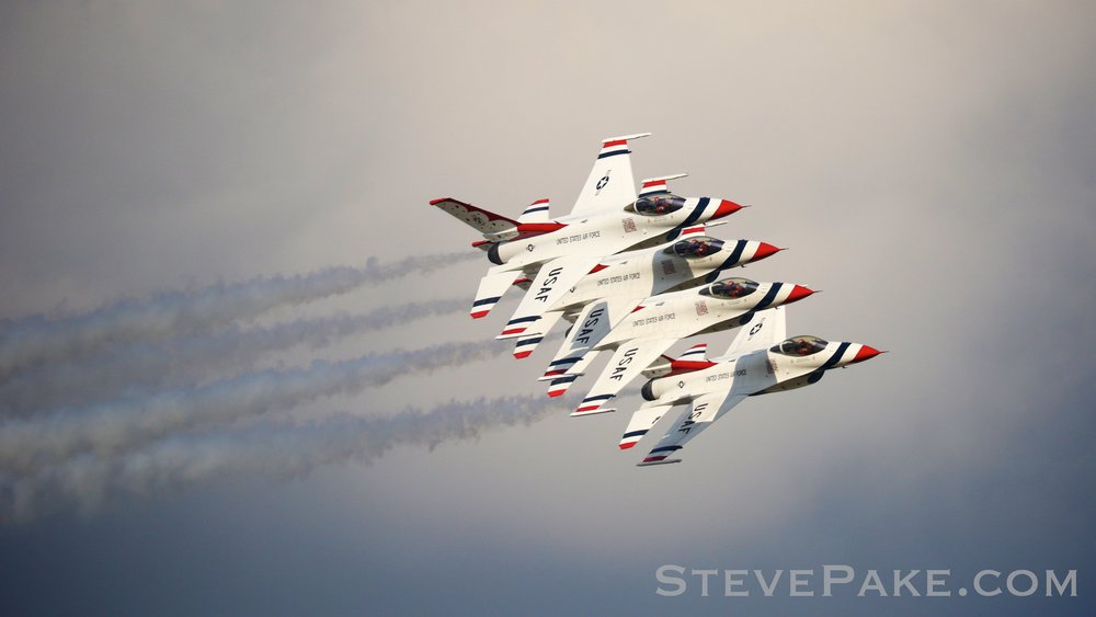 USAF Thunderbirds flying F-16's.