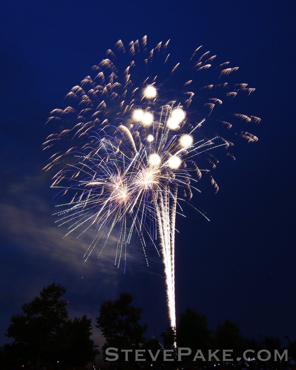 Fireworks2018_10_GE3A8508ap-HD-WM.jpg