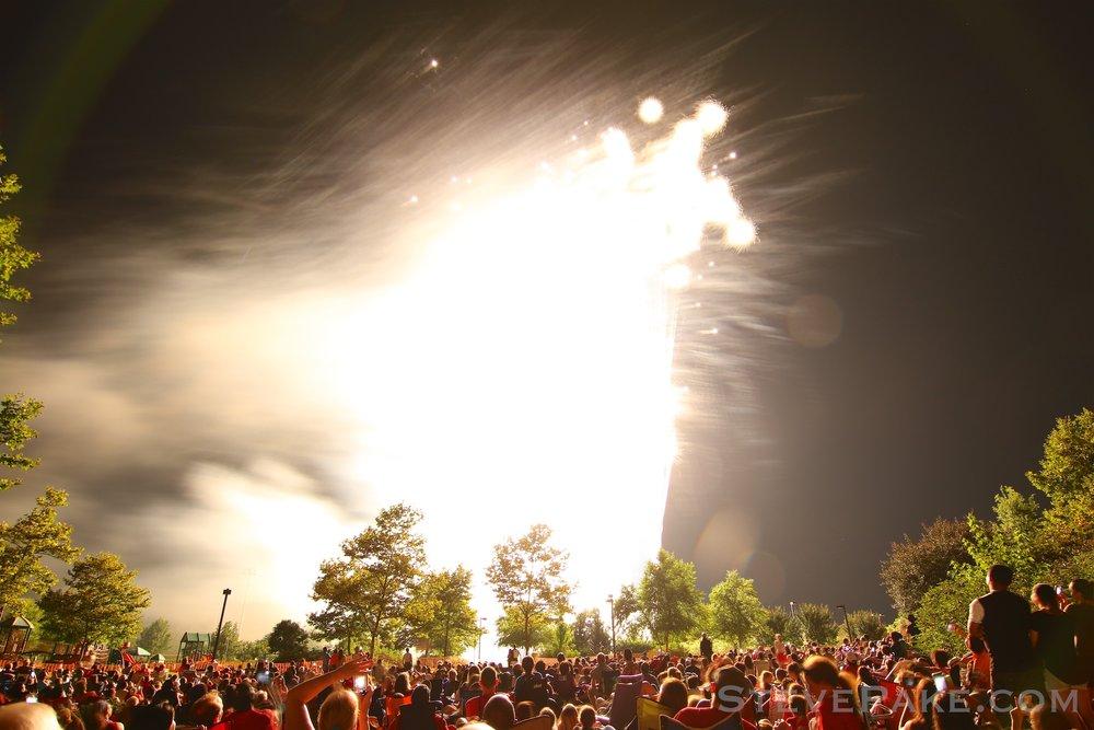 Fireworks2018_78_GE3A8652ap-HD-WM.jpg