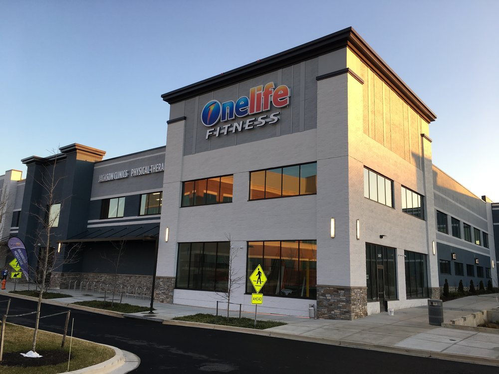 The new Onelife Fitness in Rockville is fantastic, and just a few blocks away. I'm not endorsing this gym over any other. The best thing about this gym to me is that it's very close by and I can get to it without losing any time.