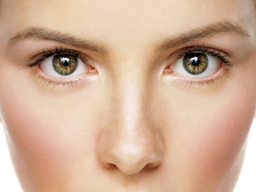"""from patients - """"Medikaur Skin and Aesthetics is truly life changing ...""""""""Our friends can't work out why we look so well-rested and youthful ...""""""""Fantastic service and amazing results. If you live or work in the Canary Wharf area, go and speak to Jane …"""""""