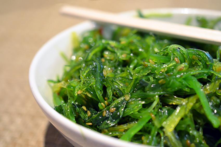 wakame salad spaziosushi