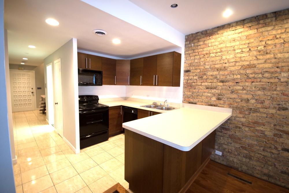 Z - 2727 Clark - Three Bedroom Kitchen 1.jpg