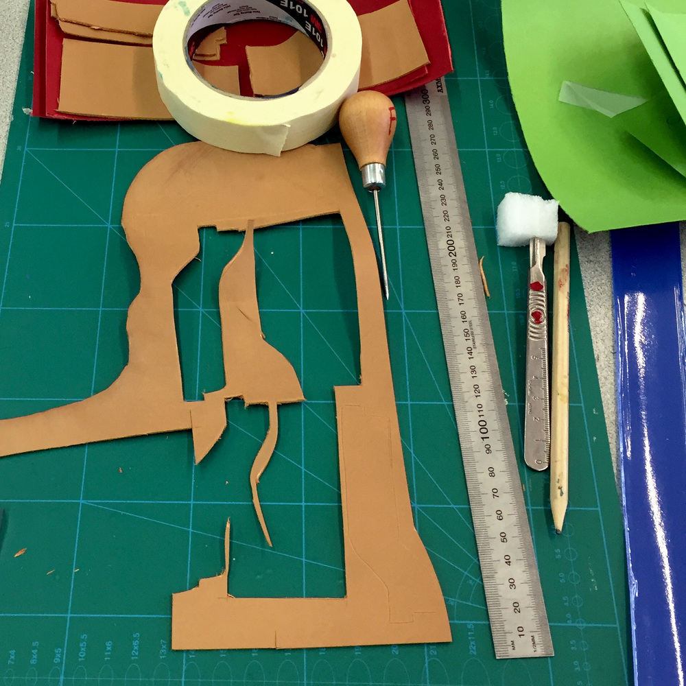 CUTTING OUT LEATHER WALLET FACINGS